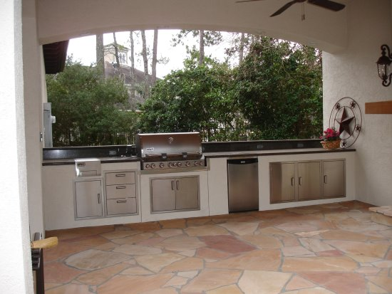 A Patio Or Deck Is Great For An Outdoor Living E But Consider Going Step Further And Building New Cooking Area Outdoors